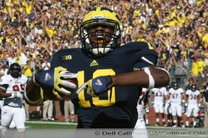 M FOOTBALL 2012 UNIVERSITY OF MASSACHUSETTS MINUTEMEN INVADE MICHIGAN STADIUM WOLVERINES REPEL THEM 63 TO 13 2012 3UMUMass 141 300x199 Devin Funchess Denard Robinson Brady Hoke 2012