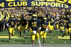 M FOOTBALL 2012 UNIVERSITY OF MASSACHUSETTS MINUTEMEN INVADE MICHIGAN STADIUM WOLVERINES REPEL THEM 63 TO 13 2012 3UMUMass 9 300x200 Devin Funchess Denard Robinson Brady Hoke 2012